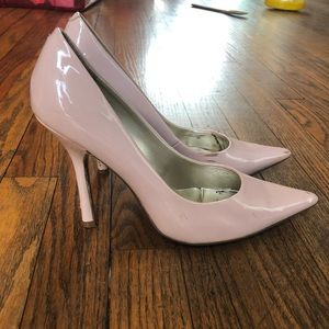 Shoes - Guess Blush Pumps